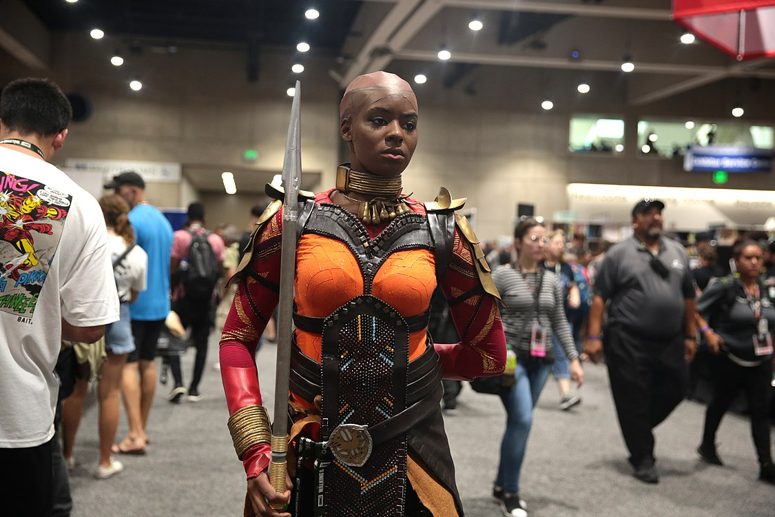 Okoye cosplayer (29723987478).jpg