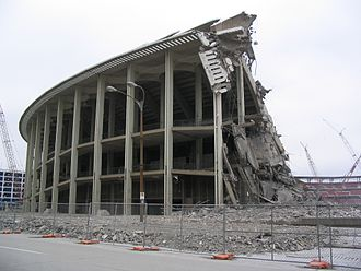 Busch Memorial Stadium - Busch Stadium II demolition in late 2005