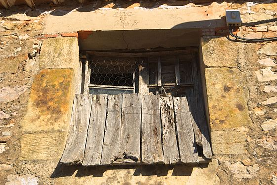 Old wood window.jpg