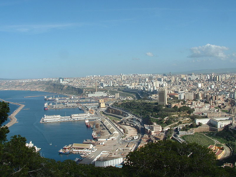 صور الباهية وهران 800px-Oran_facade_maritime