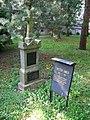 Písek, hřbitov u Trojice, hrob - Vojtěch Janota.jpg