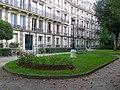 P1330735 Paris V rue du Val-de-Grace N7-9 batiments rwk.jpg