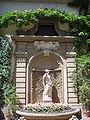 Palazzo antinori, fontana 03.JPG