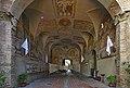 Palazzo dei Vicari ingresso e arcata.jpg
