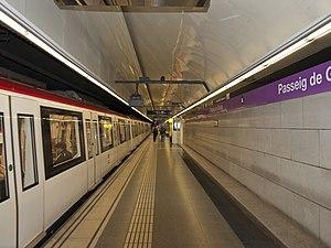 Barcelona Metro line 2 - Passeig de Gràcia station