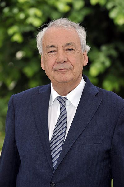 Maire de Nantes, depuis le 29 juin 2012.