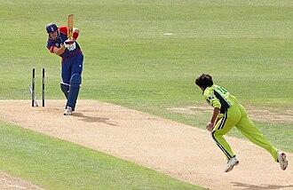 Kevin Pietersen - Asif bowls Pietersen for a duck