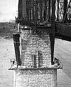 Piers Cincinnati Southern Bridge 1922.jpg