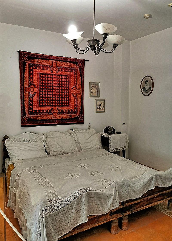 חדר שינה במוזיאון ראשון לציון