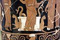 Pittore di dario, loutrophoros con sacerdotessa davanti altare di apollo, epigrafe KREOYSA (per la storia di ione), da tomba 1 di via bari (altamura), 330-320 ac ca. 04 altare c.jpg
