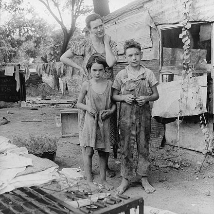 Poor mother and children during the Great Depression. Elm Grove, Oklahoma Poor mother and children, Oklahoma, 1936 by Dorothea Lange.jpg