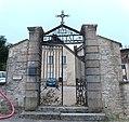 Portail Hôpital Ancien couvent Capucins St Amour Jura 4.jpg