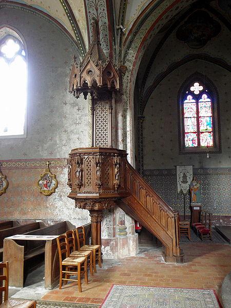 Église Saint-Martin de Preéaux (53). Intérieur. Chaire.