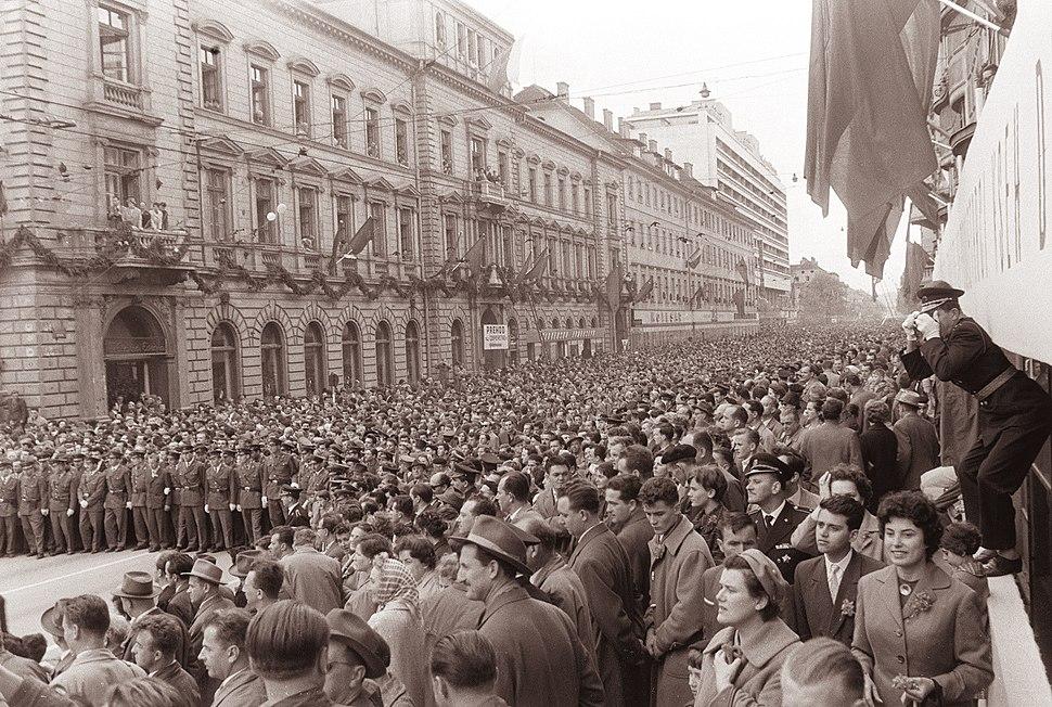 Prvomajski sprevod v Ljubljani 1961 (2)