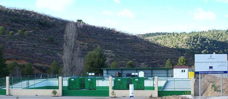 Archivo:Punto Limpio de Molinicos (Albacete).JPG