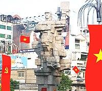 Tượng đài công nhân