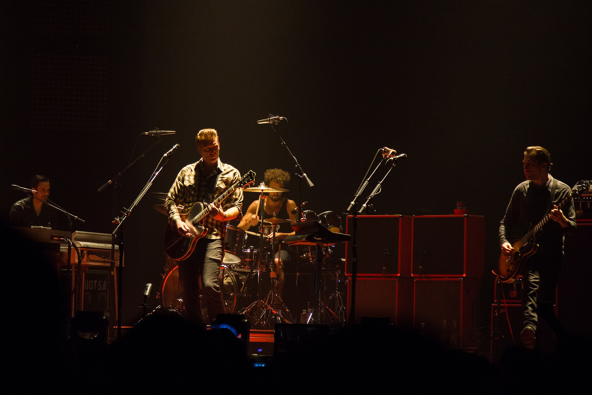 Queens of the stone age like clockwork