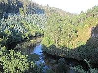 Río Castro as su paso por el Castillo de Narahío.JPG