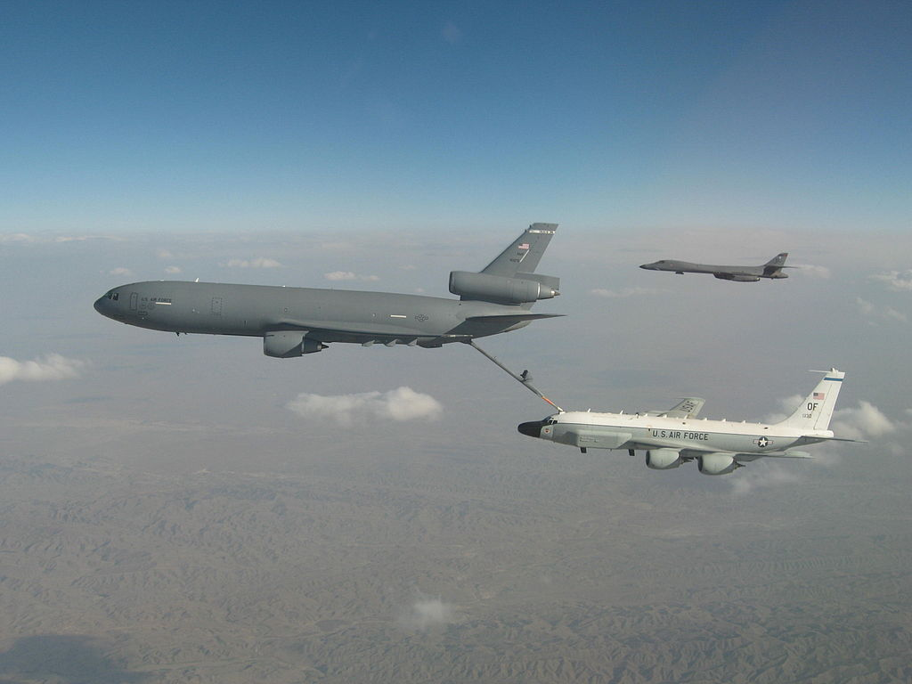 File:RC135 KC10 refuel.JPG - Wikimedia Commons