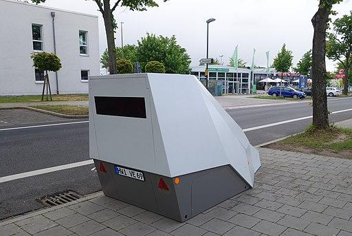 Radar-Blitzer, als Auto getarnt, 2019 (2)