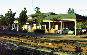Redding station (California) - Image: Redding Amtrak Station Trackside