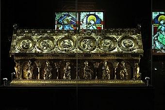 Relikviář svatého Maura 2015.jpg