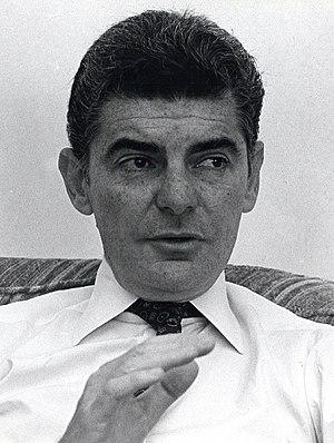 Richard Benjamin - Richard Benjamin in July 1986