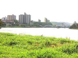 Rio Paraíba em Barra Mansa.jpg