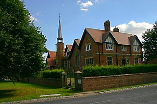 Roecliffe Village and civil parish in North Yorkshire, England