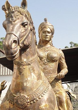 Rudrama Devi - Statue of Rudrama Devi