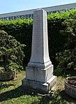 Ruzyně, pomník první mezinárodní trati (01).jpg