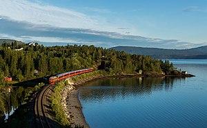 Di 4 654 with Nattog 475 Trondheim - Bodø a few minutes before arriving at Mo i Rana