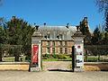Saint-Amand-en-Puisaye-FR-58-château-02.jpg