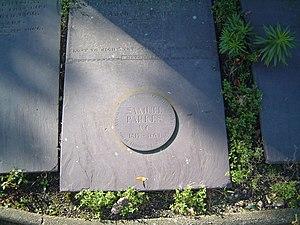 Samuel Parkes (VC) - Parkes' Victoria Cross memorial disc at a family grave in Church of St Editha, Tamworth
