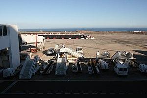 San Bartolomé - airport 20 ies.jpg