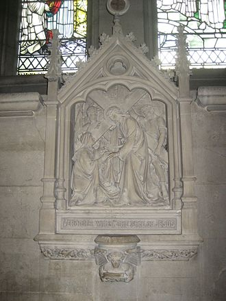 Our Lady and the English Martyrs Church - Image: Sculpture in English Martyrs Church, Cambridge