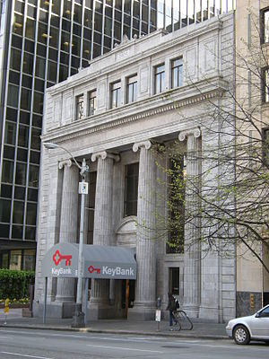 Bank of California Building (Seattle) - The building in 2008, before the modern entrance canopy was removed