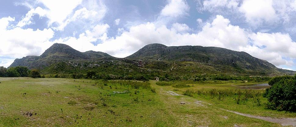 Serra do Espinhaço vista da Lapinha da Serra.