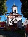 Sezimovo Ústí, kostel a kolotoč.jpg