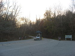 Shawnee Lookout Park entrance.jpg