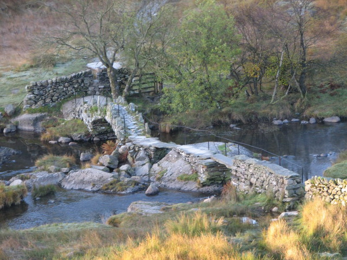 Slater Bridge - geograph.org.uk - 1563250.jpg