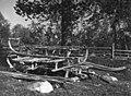 Sleder og en pulk. Feodorofs gård 1959 - Norsk folkemuseum - NF.06209-019.jpg