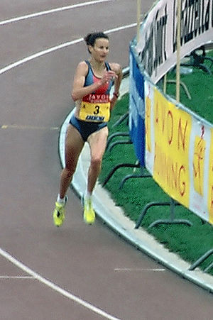 Great South Run - Course record holder Sonia O'Sullivan took consecutive wins in 2002–2003.