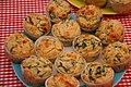 Spinat-Ricotta-Muffins mit Pinienkernen (5357056059).jpg