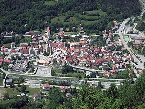 Saint-Étienne-de-Tinée - A view of the village from the hillside to the east