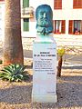 Statue hugo Antibes.JPG