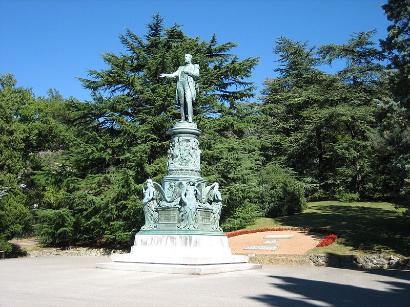 http://upload.wikimedia.org/wikipedia/commons/thumb/6/61/Statue_of_Archduke_Ferdinand_Maximilian.jpg/800px-Statue_of_Archduke_Ferdinand_Maximilian.jpg