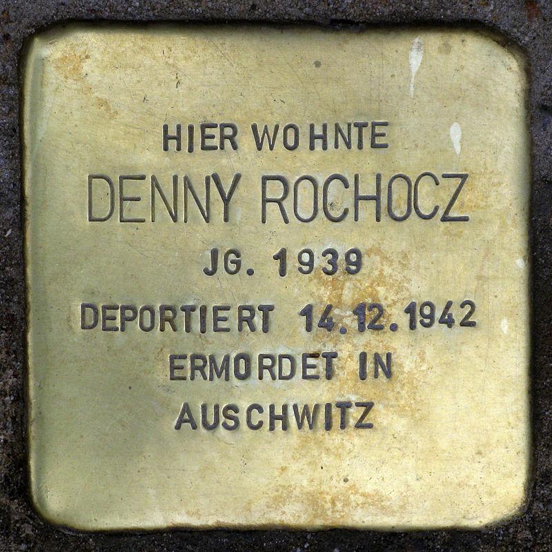 Stolperstein.Prenzlauer Berg.Bernhard-Lichtenberg-Straße 15.Denny Rochocz.7669.jpg