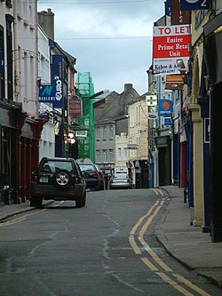 Street in Wexford, Ireland 2005.jpg