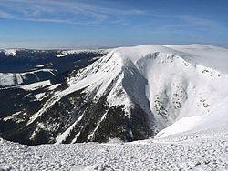 Pohled ze Sněžky na Studniční horu